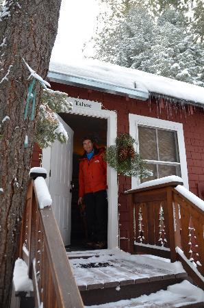 Tahoma Meadows B&B Cottages: Jake and Gio