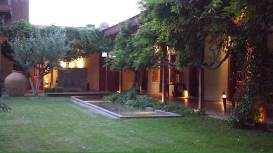 Club Tapiz Hotel: Innenhof