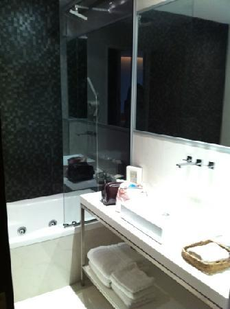Ilum Experience Home: banheiro