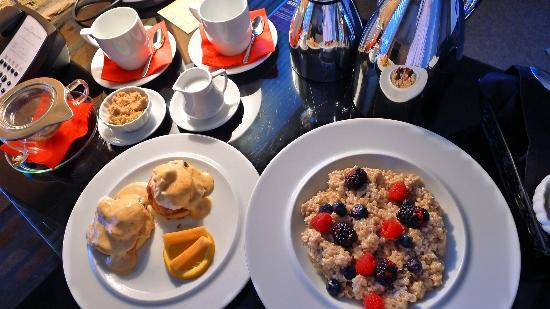 The Hotel Donaldson: breakfast
