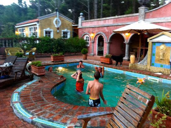 Villa Toscana Boutique Hotel: Fun in the pool at VT