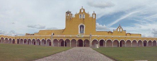 Hotel San Miguel Arcangel: Panorámica del convento