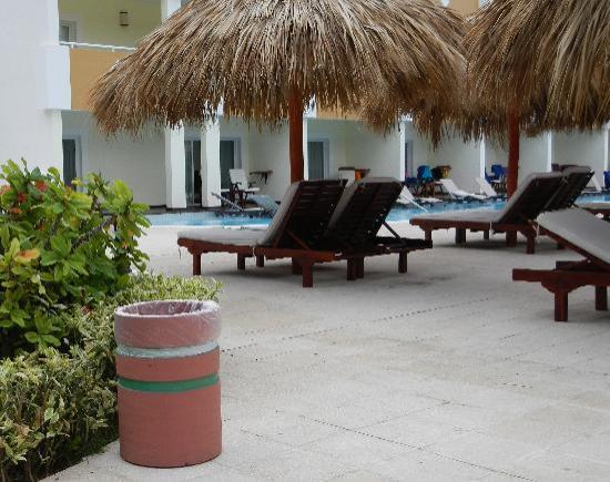 TRS Turquesa Hotel: Voici ce qui manquais dans notre section et j'ai dûe aller en ramasser une sur le site. Maintena