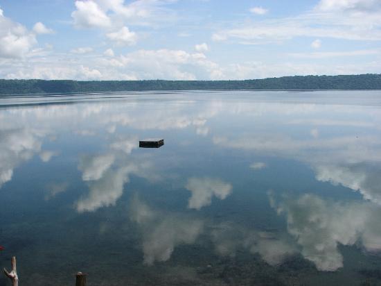 Apoyo Lodge : water like glass