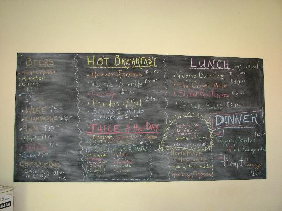 Apoyo Lodge: fun menu & reasonable drink prices