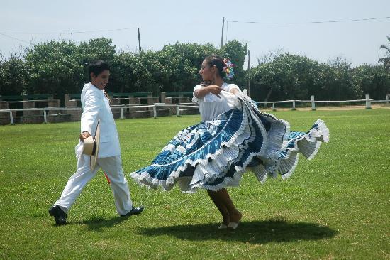 Caballos Peruanos de Paso y Marinera: MARINERA NORTEÑA koppel-dans