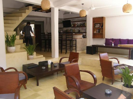 The Purple Mangosteen: Lobby
