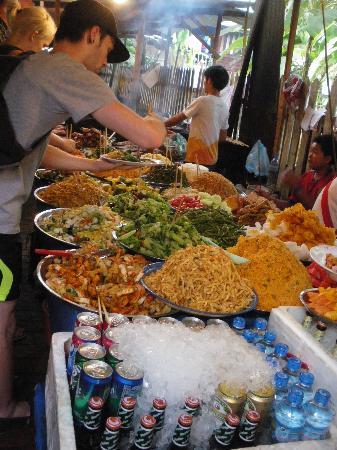 Kiridara: Self service food at the markets!