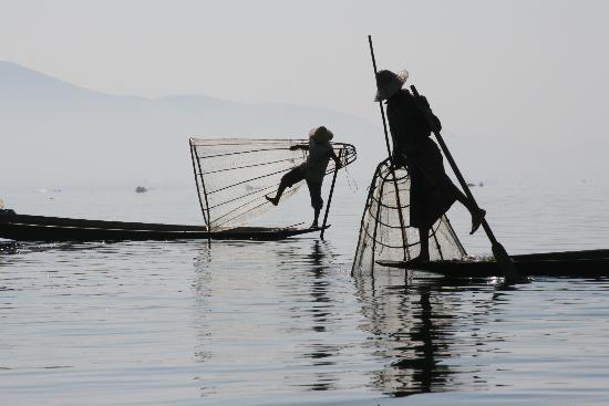 Myanmar PLG Travels & Tours : The Famous one legged Inle Lake fisherman