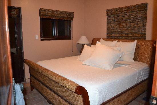 Coco Beach Resort: Master bedroom