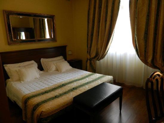 Grand Hotel Verona: La camera all'arrivo.