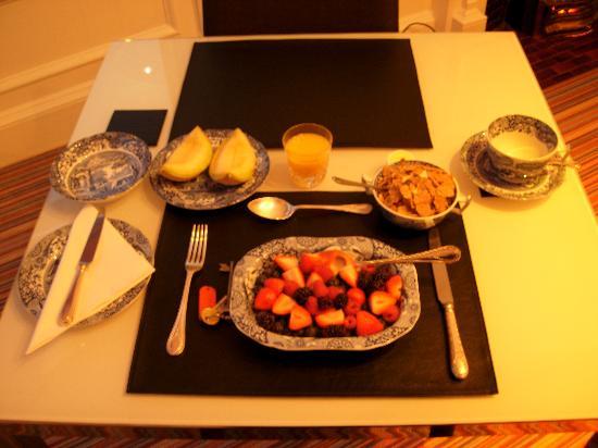 Number 27 Morningside : Superb breakfast - 1st part