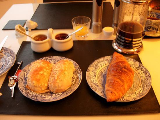 Number 27 Morningside : Superb breakfast - 3rd part