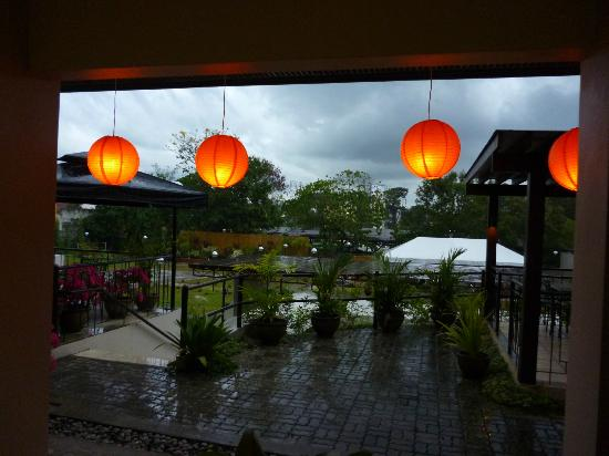 Hotel Tropika Davao: A view of the patio area....