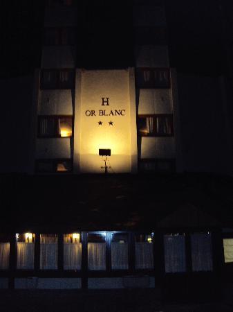 Hotel Or Blanc : Parte delantera del hotel