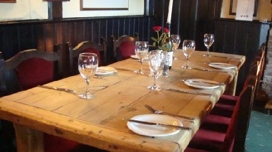 The Red Lion Inn Restaurant: Bar Area