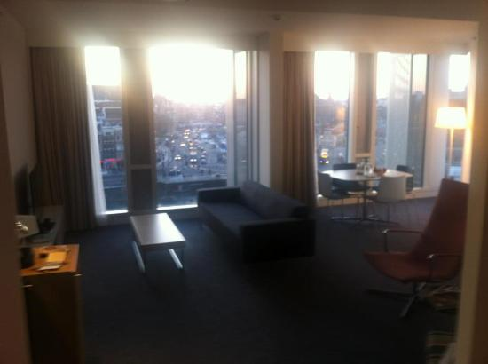 DoubleTree by Hilton Hotel Amsterdam Centraal Station: Library suite