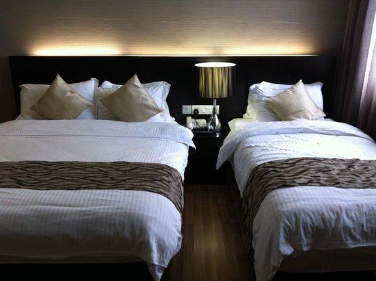 11@Century Hotel: 1 Queen + 1 Single