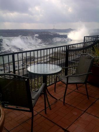 Crowne Plaza Niagara Falls - Fallsview: Outside our room.