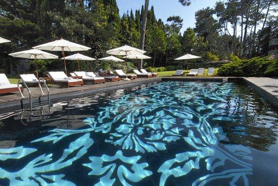 باراداس بارك هوتل آند سبا: Outdoor Pool at Barradas Parque Hotel in Punta del Este