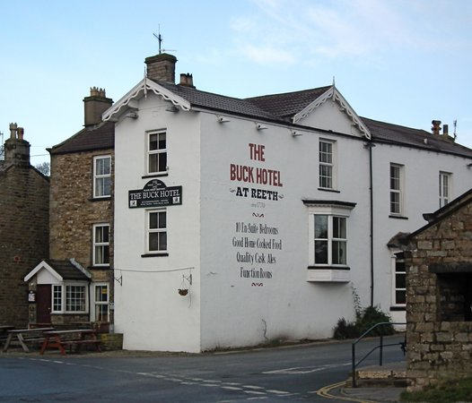 The Buck Hotel: Buck hotel from the village green