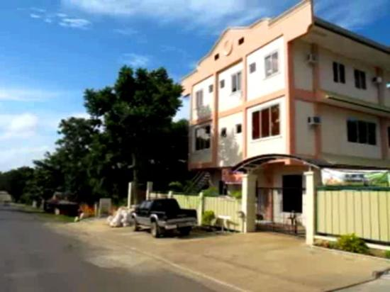 Xtravelers Place Palawan : Seasons guest house on Roxas street, Palawan.