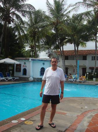 LD Le Flamboyant: En la piscina del hotel