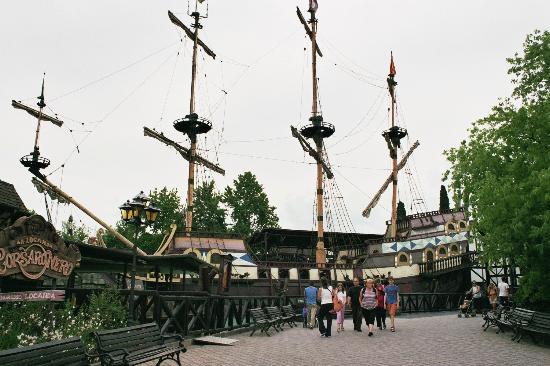 Camping Bella Italia: Piratenschiff Gardaland