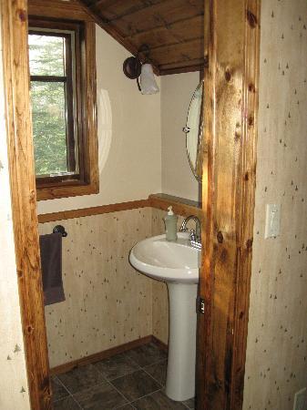 Deer Valley Bed & Breakfast: Upstairs bath.