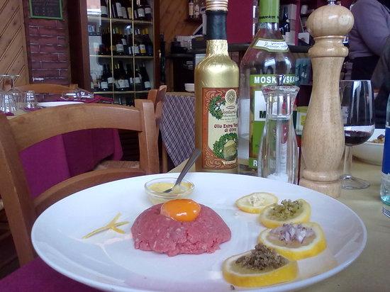 Collegno, Italia: Tartare di Fassona, condimenti