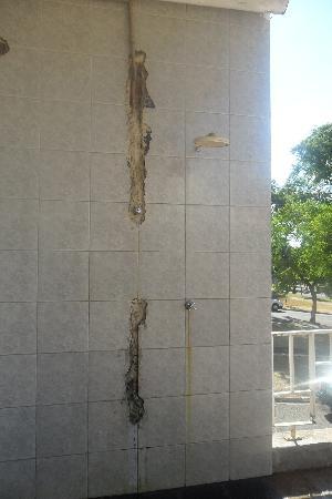 Salvatti Iguassu Hotel: ducha de la piscina