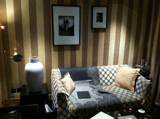Baglioni Hotel London: Living Room Area