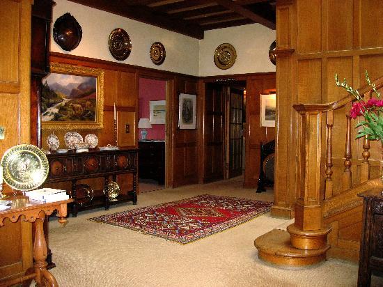 Kinloch House: Reception Hallway