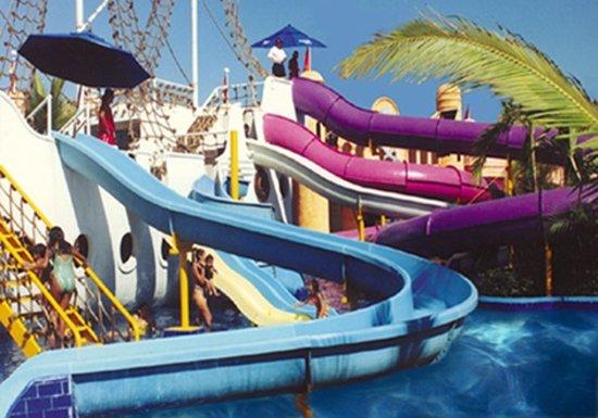 Magic World Aquatic Park : Pirate Ship