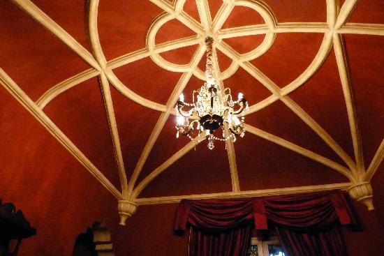 Palacio de Dona Leonor: my cieling