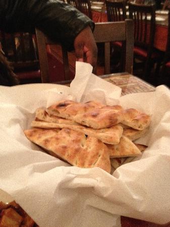 Kervan Sofrasi: Yummy free bread