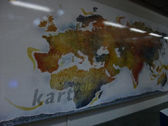 Zentrum für Kunst und Medientechnologie (ZKM): Interactive world map