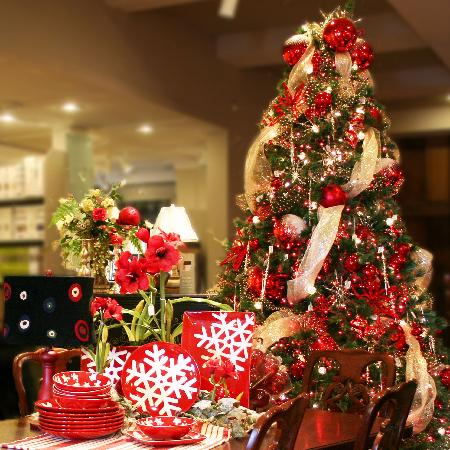 Pine Tree Barn: Extraordinary Gifts & Year-round Christmas Shop