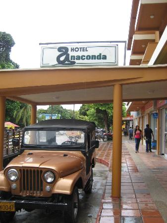 Hotel Anaconda: Hotel Entrance