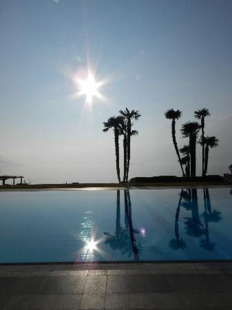 Hotel Eden Roc: Aussicht Pool und See