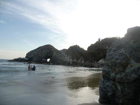 Hotel Nude Zipolite: playa zipolite