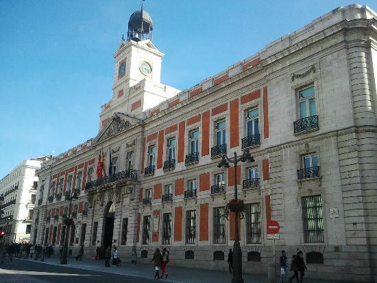 Real casa de correos presidencia de la comunidad de for La real casa de correos