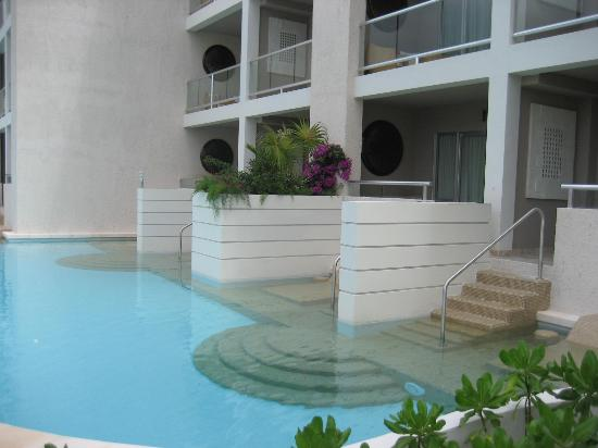 Paradisus Playa Del Carmen La Esmeralda: swim up patio to room