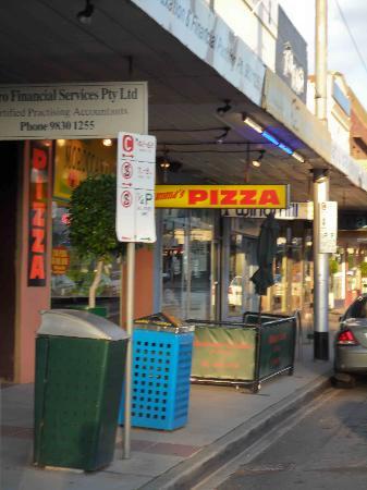 Big Mummas Pizza: Big Mummas in Surrey Hills