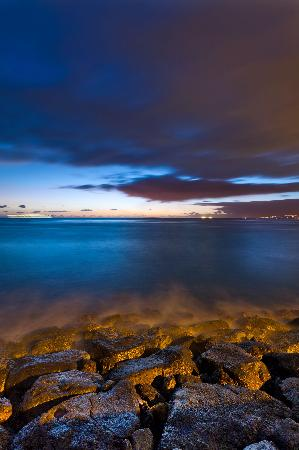 Ala Moana Beach Park: ©Dylan Patrick Photography 2012.  All Rights Reserved