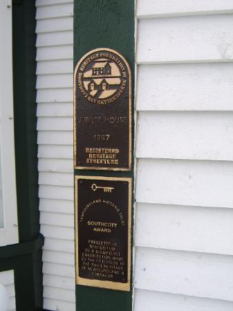 Russelltown Inn: Plaque designated Jubilee House a heritage site