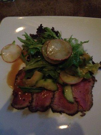 Vin 48: bison salad