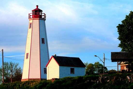 Port Burwell Marine Museum & Historic Lighthouse