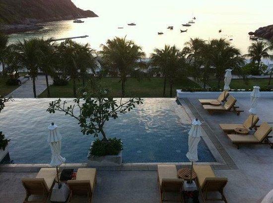 โรงแรม เดอะ ราชา: the infinity pool