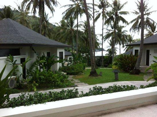 โรงแรม เดอะ ราชา: outside the villas